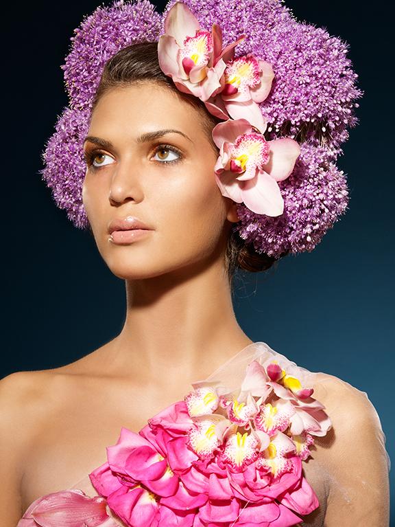 Femmes avec des fleurs